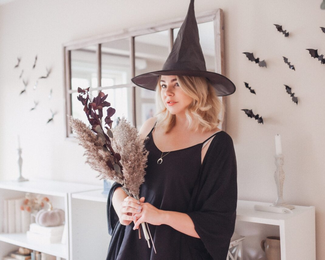 Last-Minute Spooky Home Décor